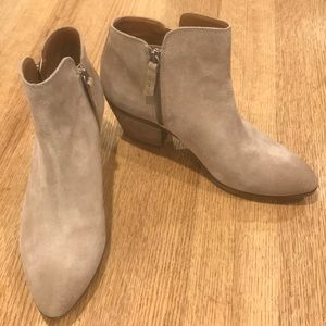 Frye NWOT Ankle Booties Double Zip Tan Suede 10